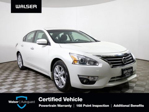Pre-Owned 2015 Nissan Altima 2.5 SV Moon BCam