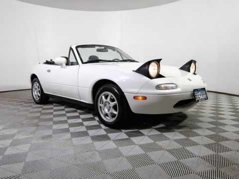 Pre-Owned 1997 Mazda MX-5 Miata Base